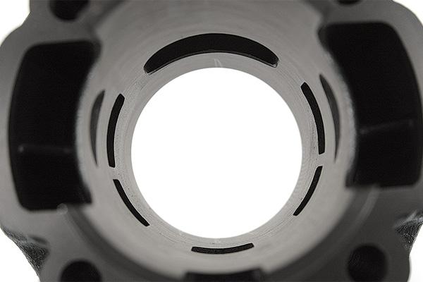 5 transferts et une lumière d'échappement simple ovale