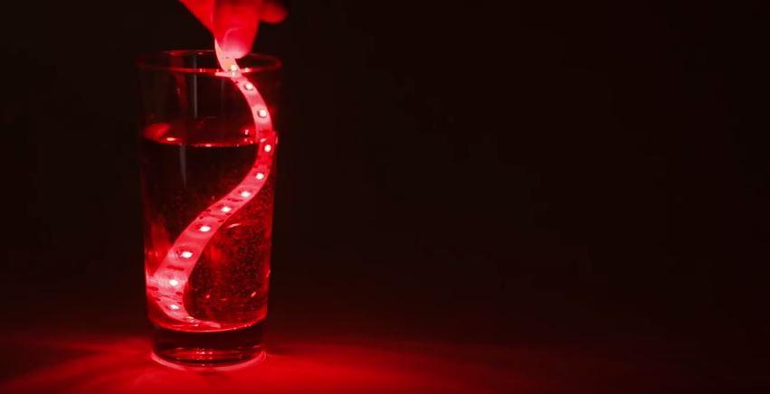 La bande LED Toxik résiste à l'eau